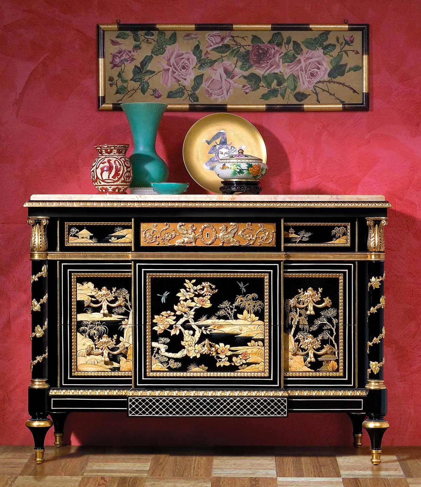 Comò laccato nero, chinoiserie, luigi xv, stile luigi xv, particolari oro foglia, piano marmo. Black lacquered chest of drawers, chinoiserie, Louis XV, Louis XV style, details gold leaf, marble top.