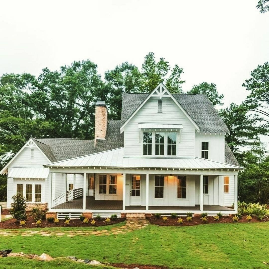 Farmhouse Is My Style On Instagram I Just Love This Classic Farmhouse Wrap Around Porch What A Farmhouse House Modern Farmhouse Exterior Farmhouse Exterior