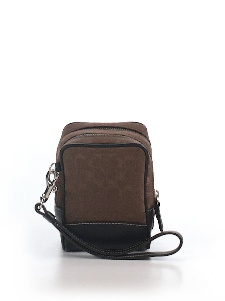 Check it out—Coach Leather Wristlet for $31.99 at thredUP!