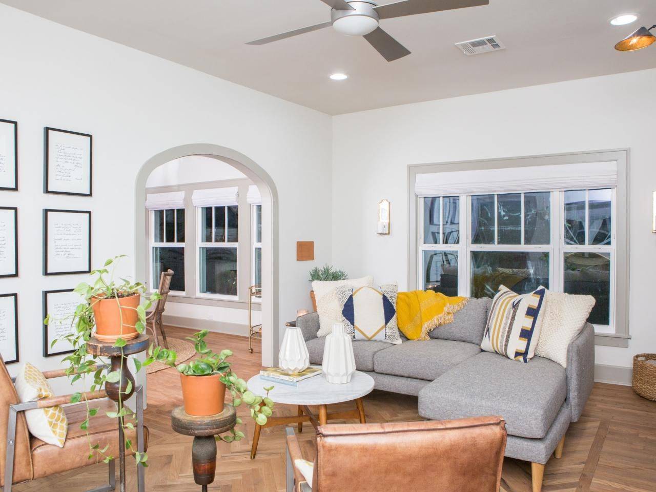 Joanna Gaines Living Room Fixer Upper Living Room Joanna Gaines Living Room Hgtv Living Room Design