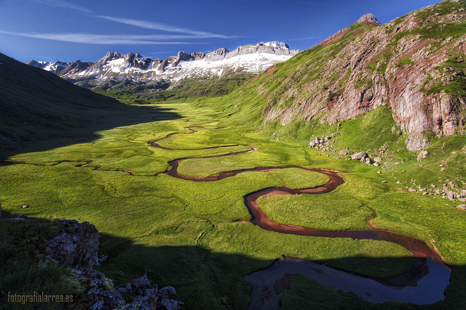 The Green And Red Valley Turismo De Naturaleza Parques Nacionales Pirineos