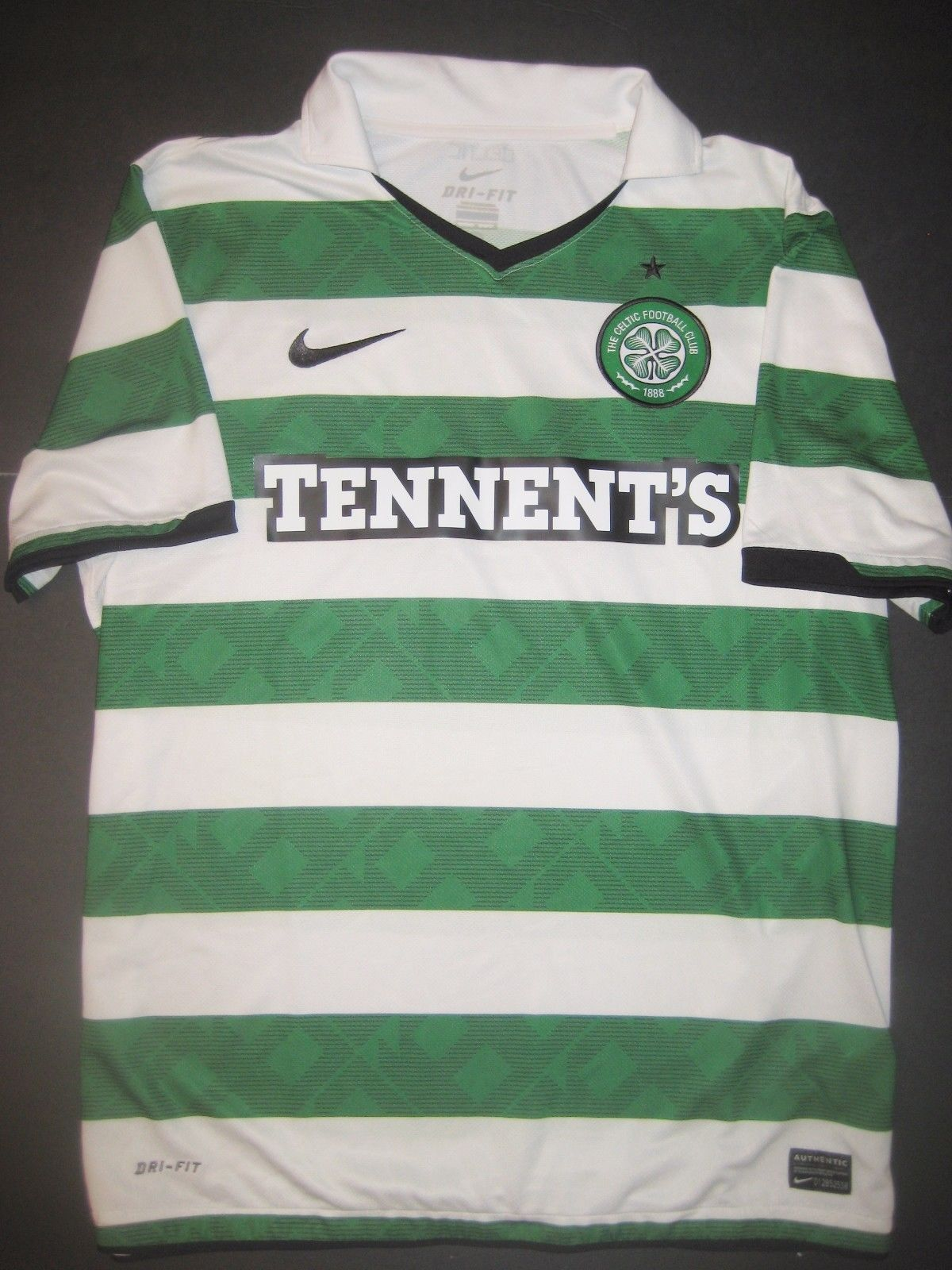 3198fbb0130 2011-2012 Glasgow Celtic FC Nike Home Short Sleeve Jersey Shirt Kit  Tennent's