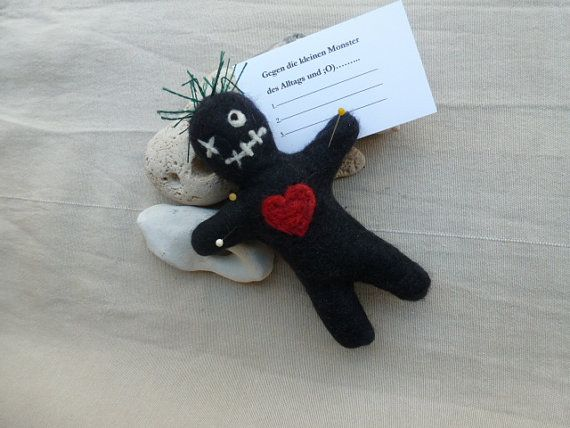 Voodoo Doll | Rag Dolls + Toys | Pinterest | Puppen, Voodoo-Puppen ...