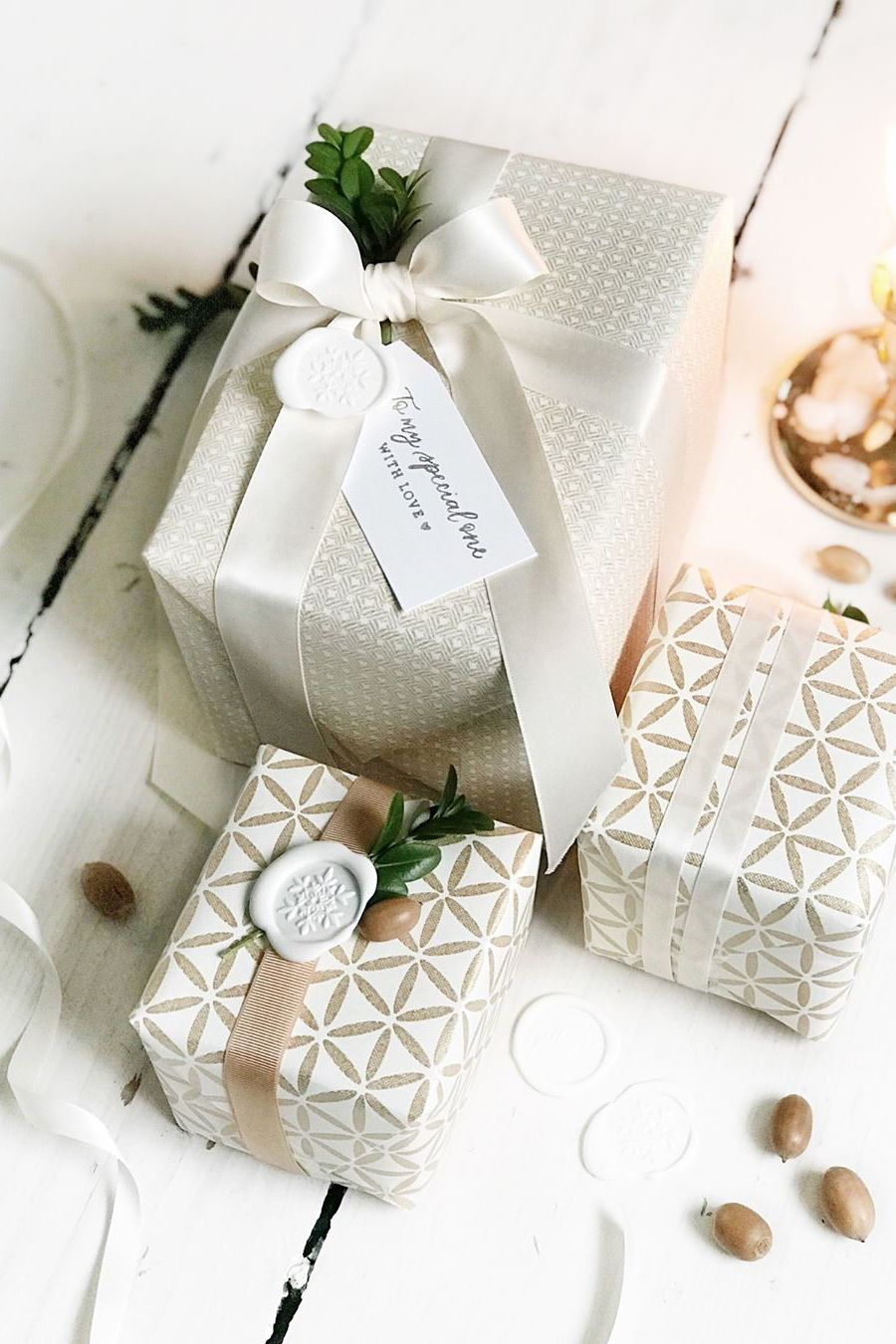 Elegant Christmas Gift Wrapping Idea With Custom Calligraphy Stamped Tag By Yournewfriendsam On Etsy Gift Elegant Gift Wrapping Christmas Gift Wrapping Gifts