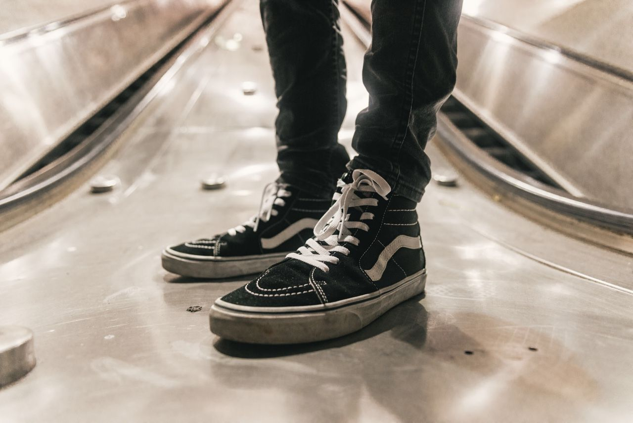 Vans Old Skool: The Ultimate Casual Shoe | Classy men, Vans