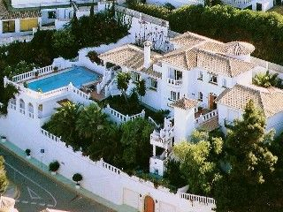 Fantastic Large Palace Close To Beach And Golf In La Cala De Mijas Holiday Rental In Mijas Costa Holida Holiday Rental Vacation Property Architecture Exterior