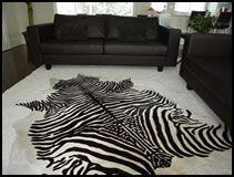 peau de zebre sur cuir de patagonie tapis en zebre et. Black Bedroom Furniture Sets. Home Design Ideas