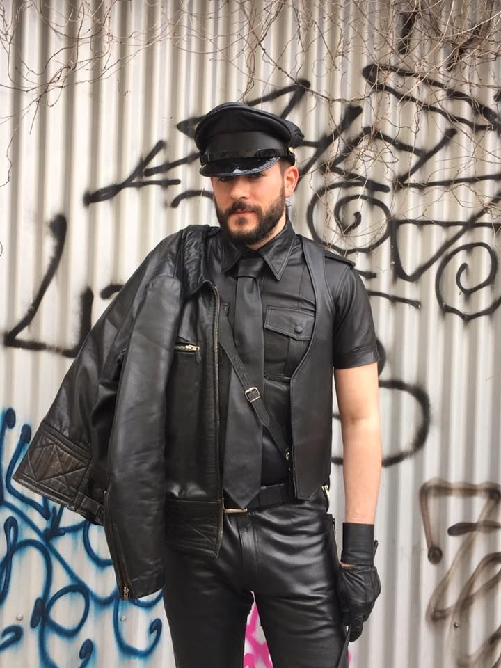 folsom gay singles Folsom street fair: pics and videos you won't wanna miss tweet 0 comments authored by robert paulson guyspy editor  s stage, get ready for a performance from kinky kabaret, featuring.