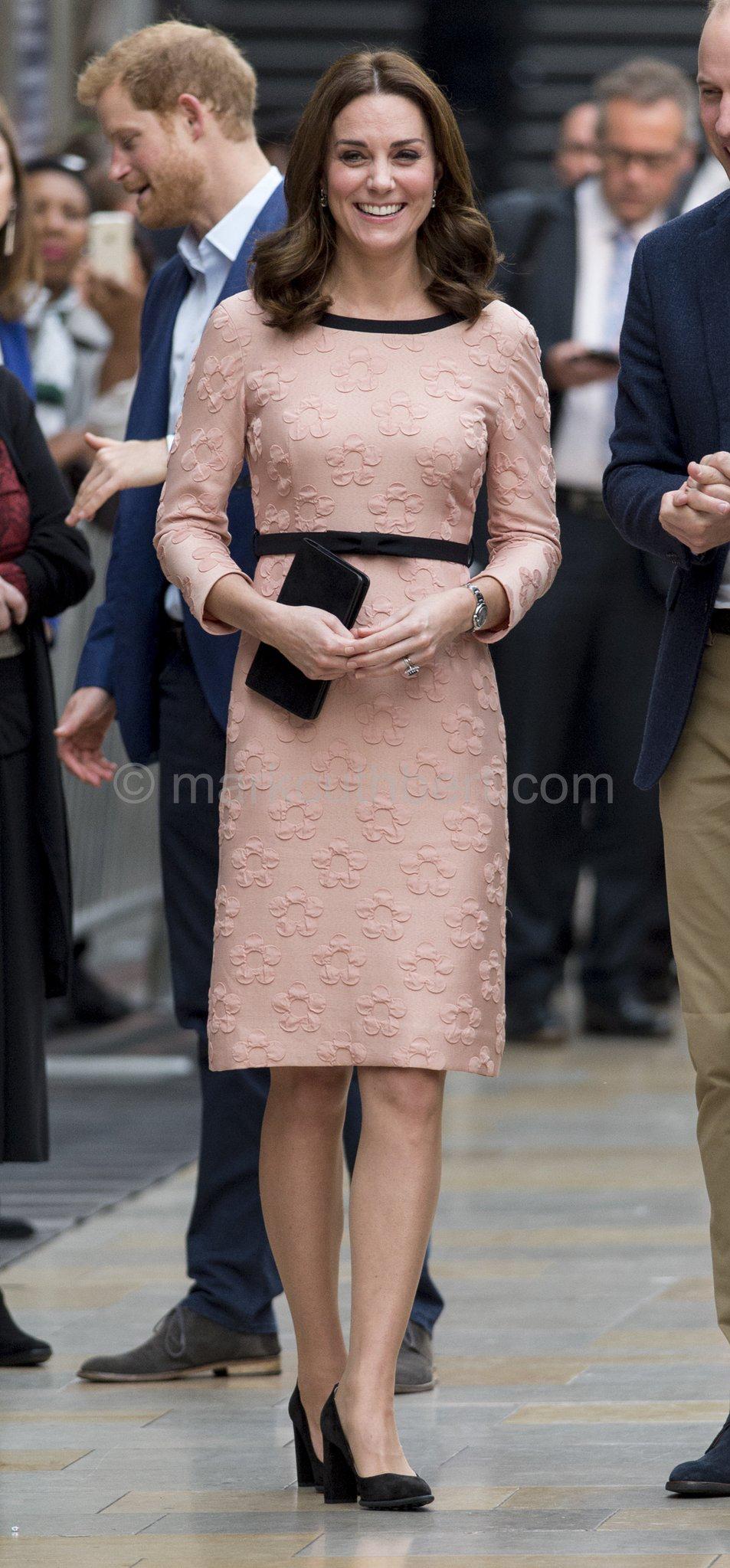 Pin de C C en royals | Pinterest | Vestiditos, Cambridge y Elegancia