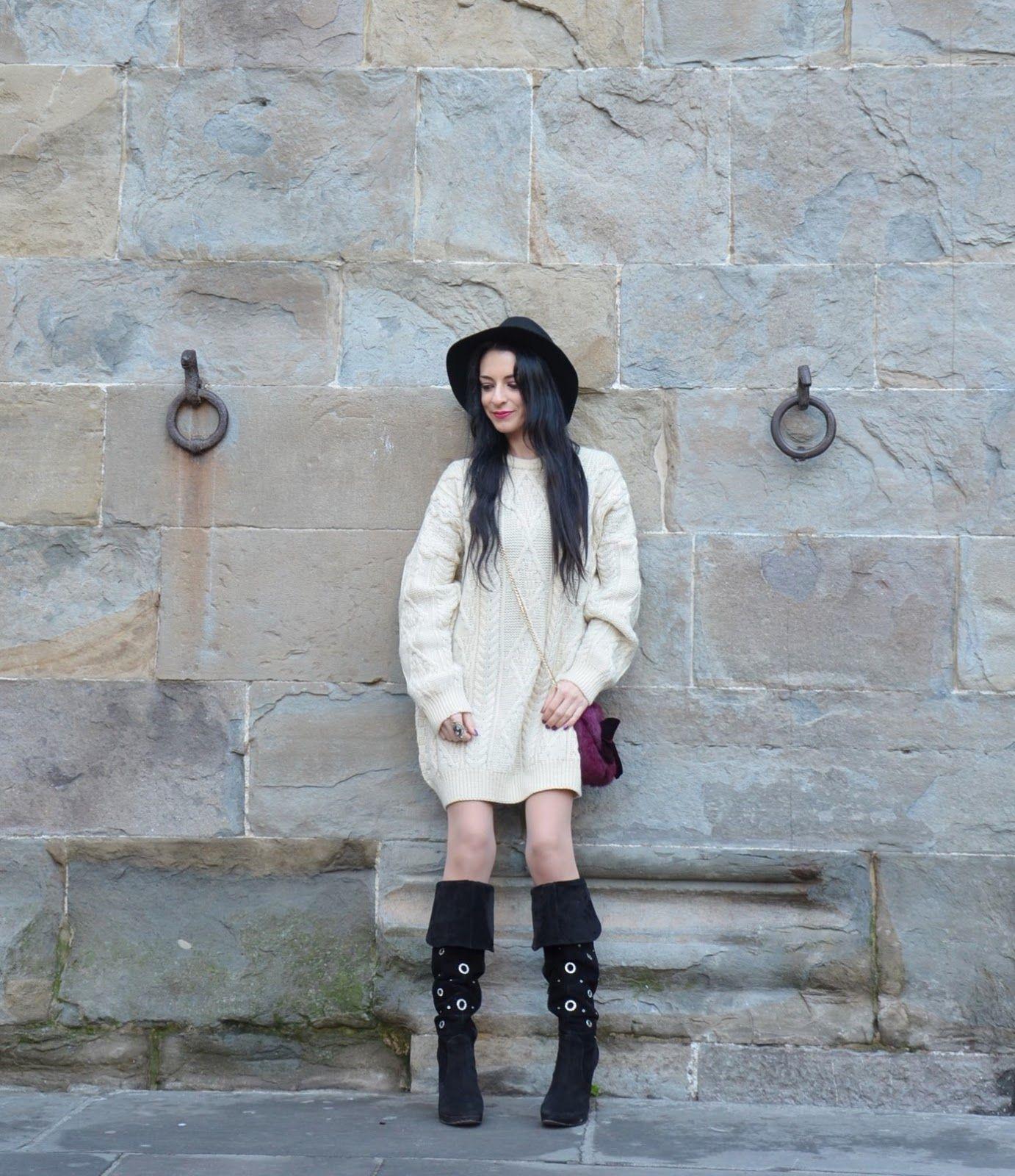 Sophia's fashion diary #fetishpantyhose #pantyhosefetish #legs #boots #blogger #stiletto #pantyhose #collant #tan