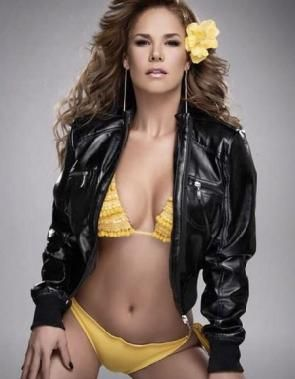 Actriz Lis Vega publica foto desnuda por error...