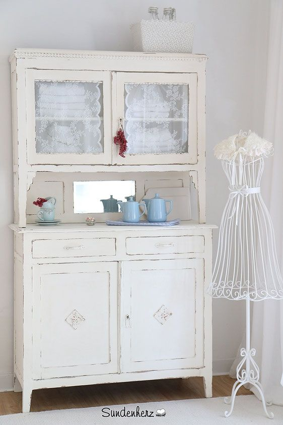 shabby schrank antikes buffet alter k chenschrank shabby pinterest kommode schrank. Black Bedroom Furniture Sets. Home Design Ideas
