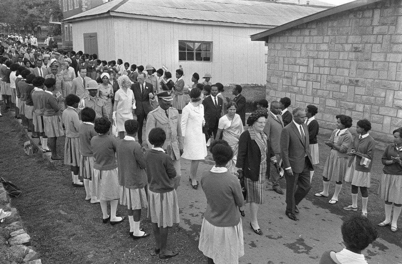 Ethiopia:- Historical Photo ( The Netherlands Queen Juliana, visiting  Empress Menen School for Girls in Addis Ababa,1… | Ethiopia, Ethiopia addis  ababa, Addis ababa