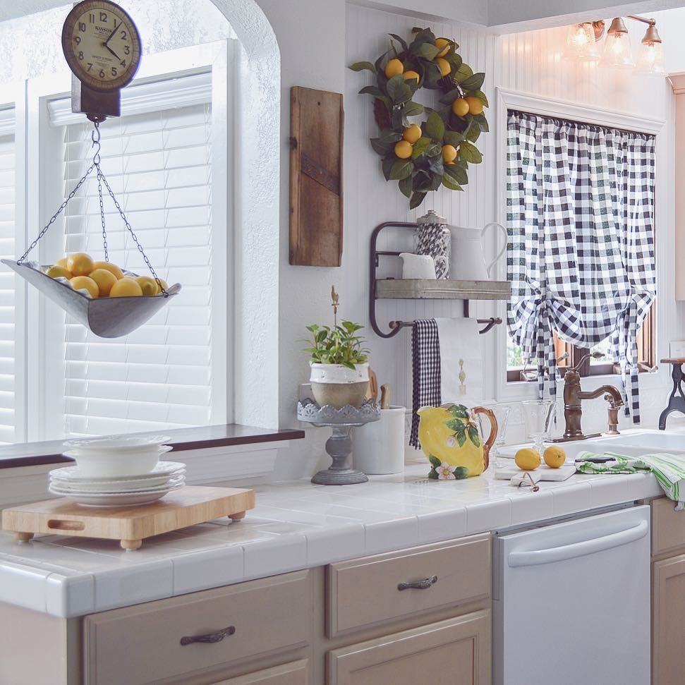 White Summer kitchen with Lemon yellow, black & white