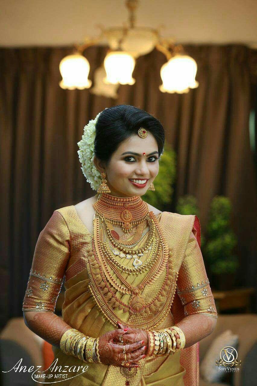 Pin by Almeena on Brides N Blouse | Indian wedding hairstyles, Kerala bride, Bridal photoshoot