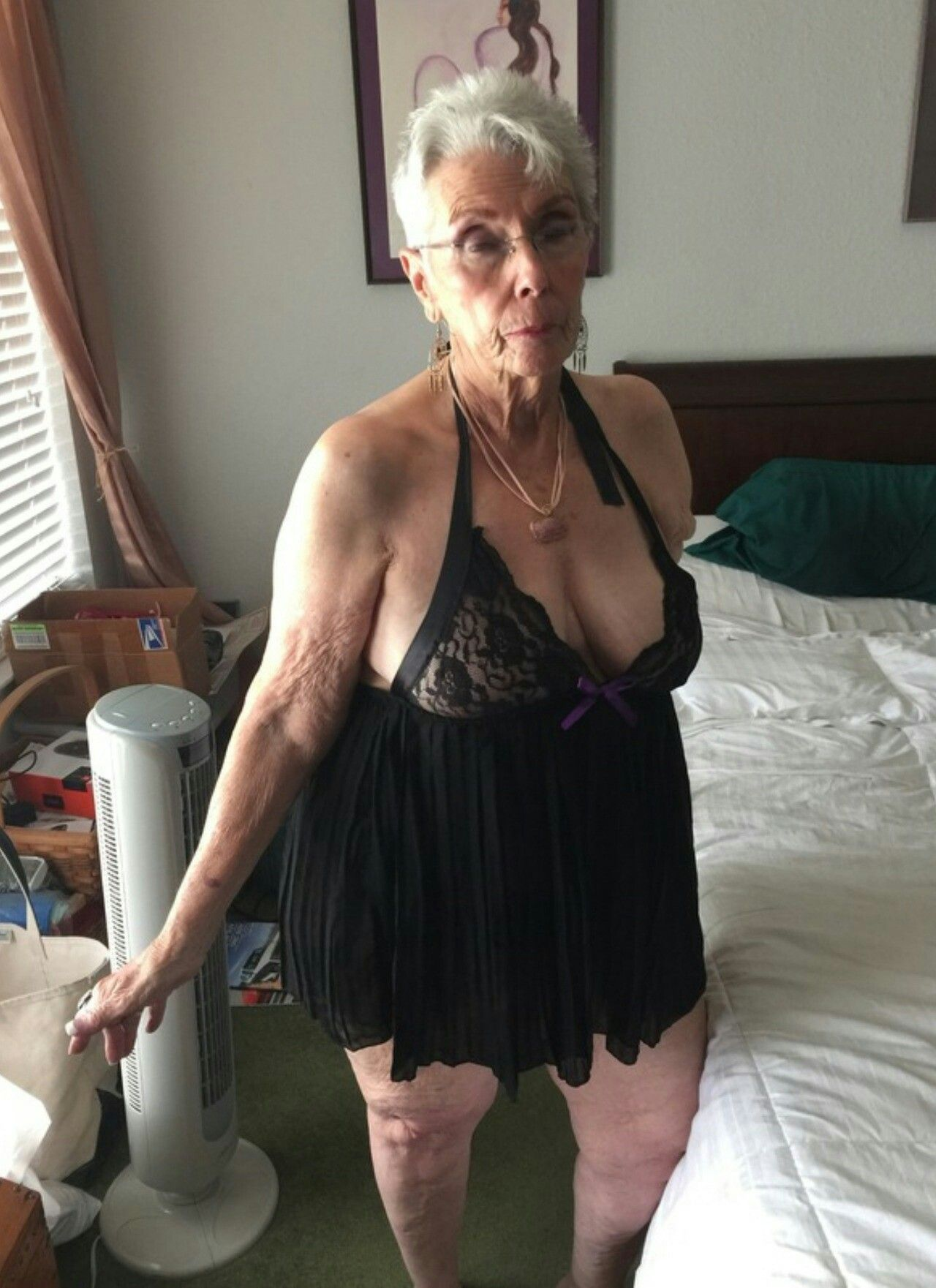 Pin On Sexy Grandma-4302