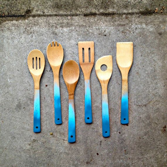 These look so cute, awesome gift idea. Ombre Wooden Spoons (by oMEandoMY on Etsy)