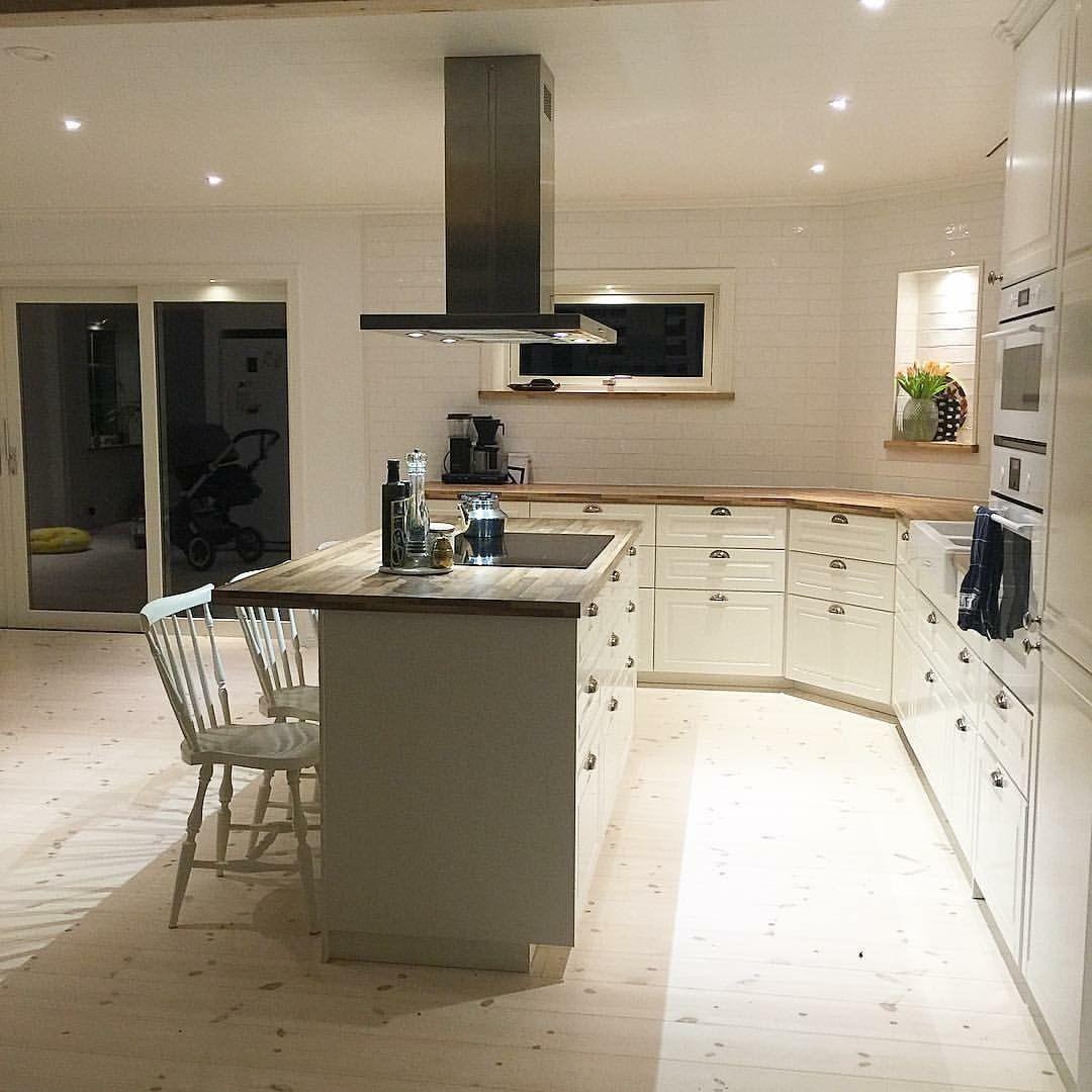 Ikea Kitchen Ideas And Inspiration: Vårt Nya Kök Ikea #bodbyn Med Köksö, Dubbla Porslinshoar