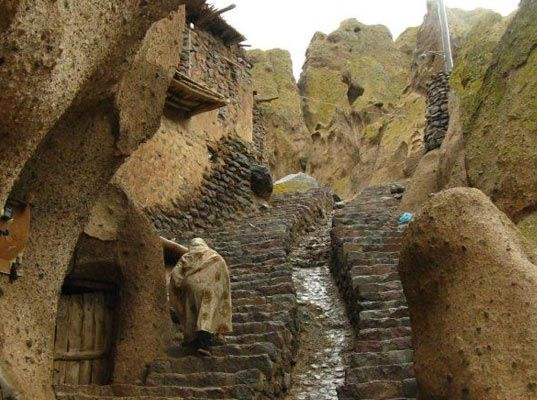 underground cave home. 700 Year Old Hobbit Cave Homes For Rent in Iran  Underground