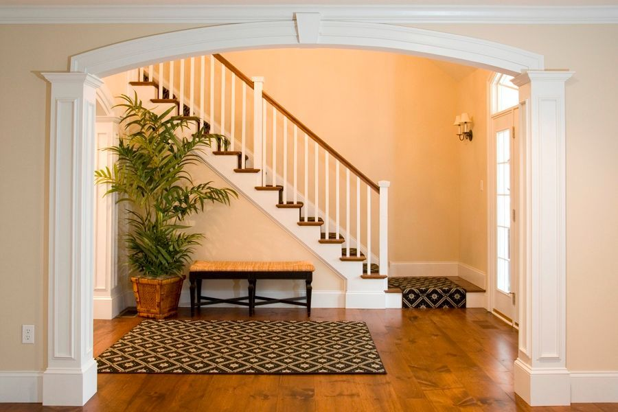 Traditional Entryway with Bernhardt kendall bench, Wall