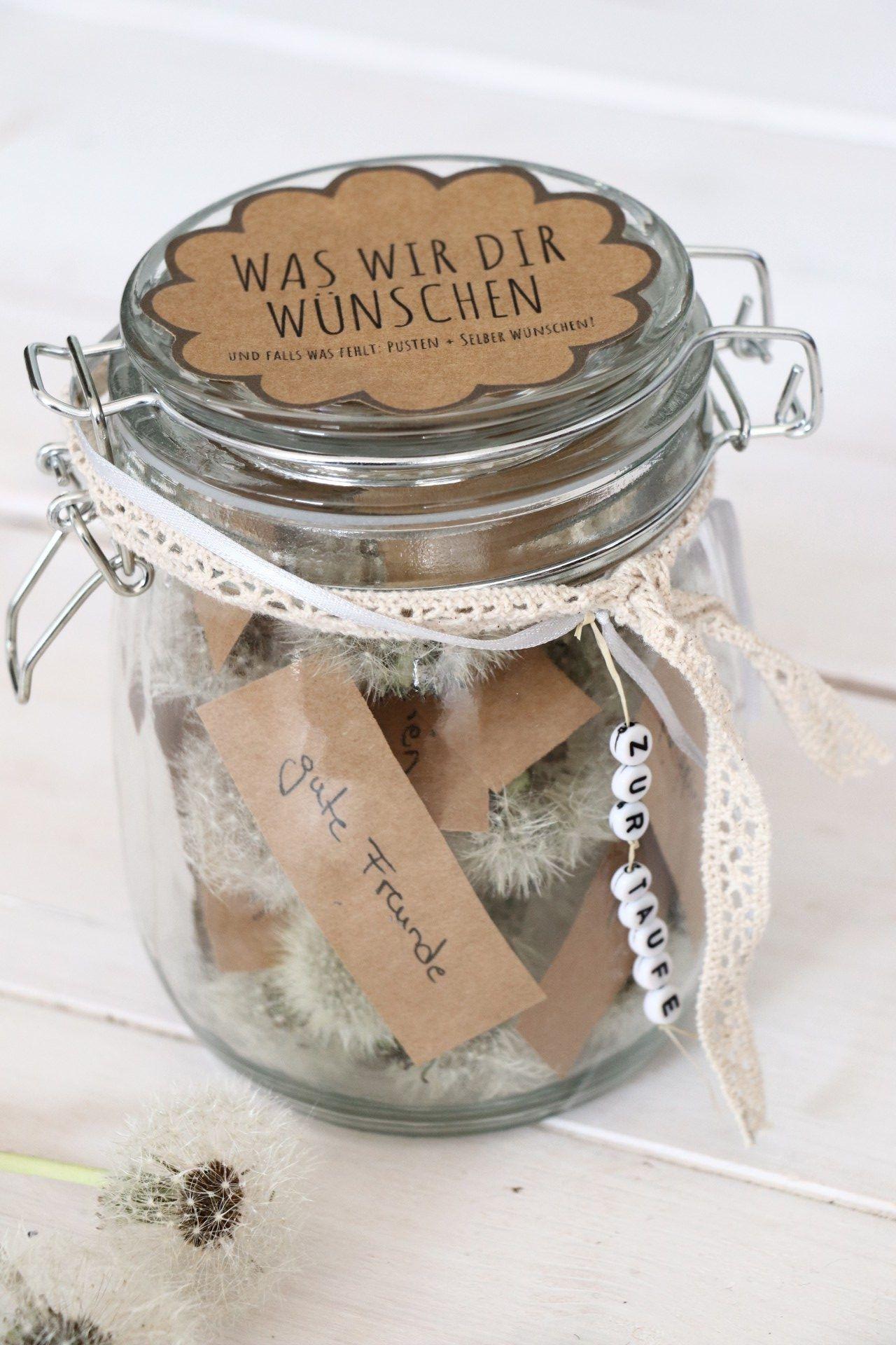 Persönliches Geschenk zur Taufe: Pusteblumen im Glas - Lavendelblog #geschenkideen
