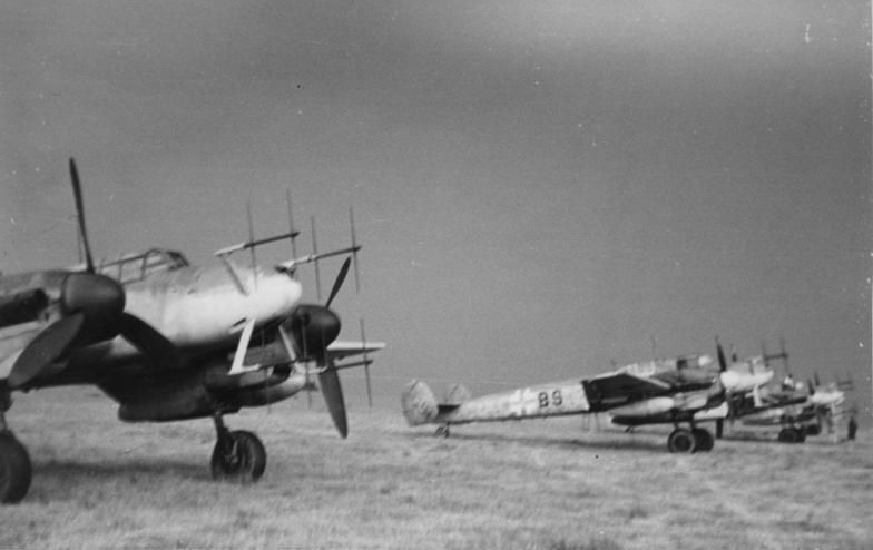 Bf 110G night fighters with the Hirschgeweih eight-dipole antenna arrays for their SN-2 sets