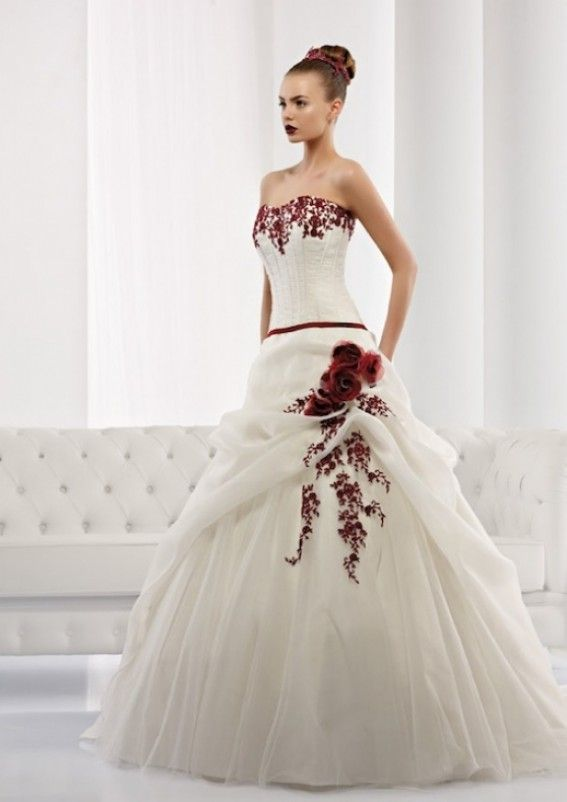 1def3c792c8b Abiti da sposa in bianco e rosso