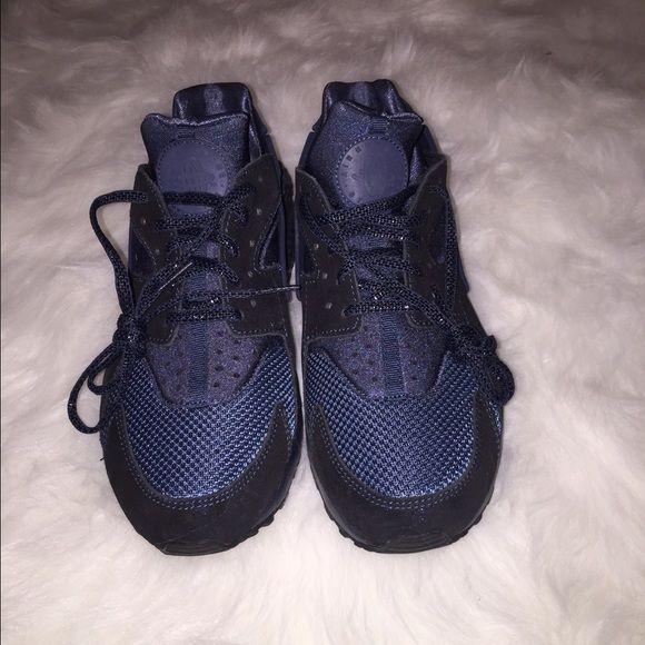 SOLD Women's Nike Huarache