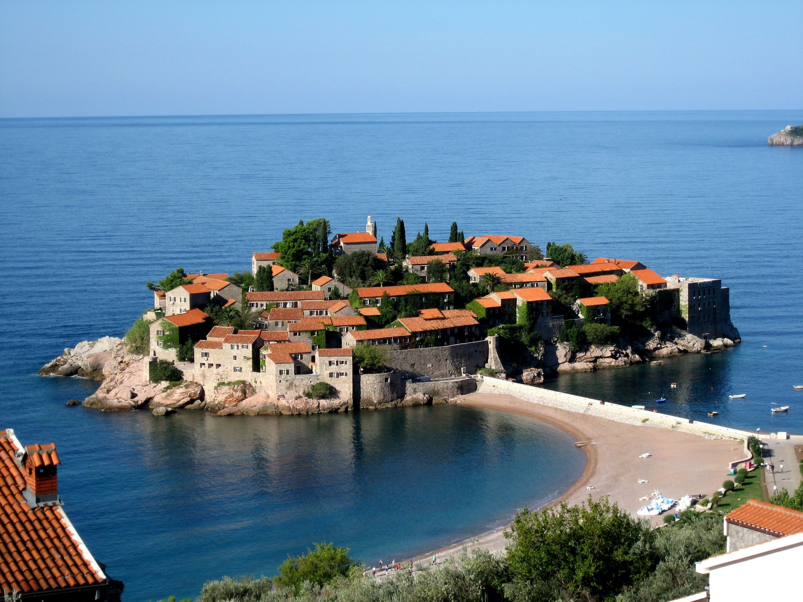 Sveti Stefan, Montenegro: description, attractions and interesting facts 31