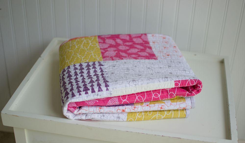 New Free Fat Quarter Fizz Quilt Pattern from Fat Quarter Shop ... : fat quarters quilt shop - Adamdwight.com