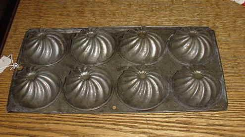 Muffin Tin  $8    www.tymes-past.com under Kitchenware