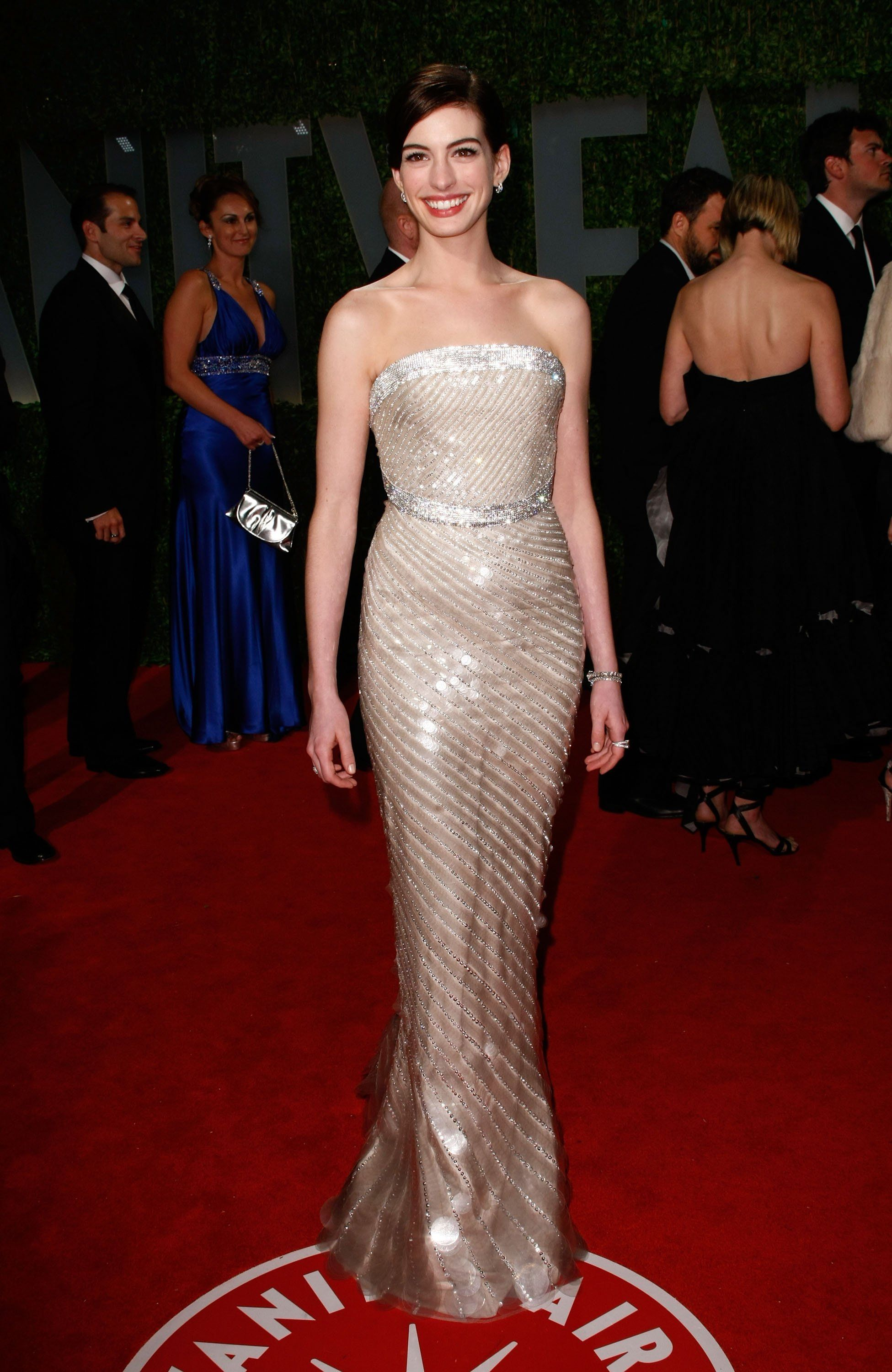 Anne Hathaway @ 81st Annual Academy Awards | Celebrity Red Carpet ...