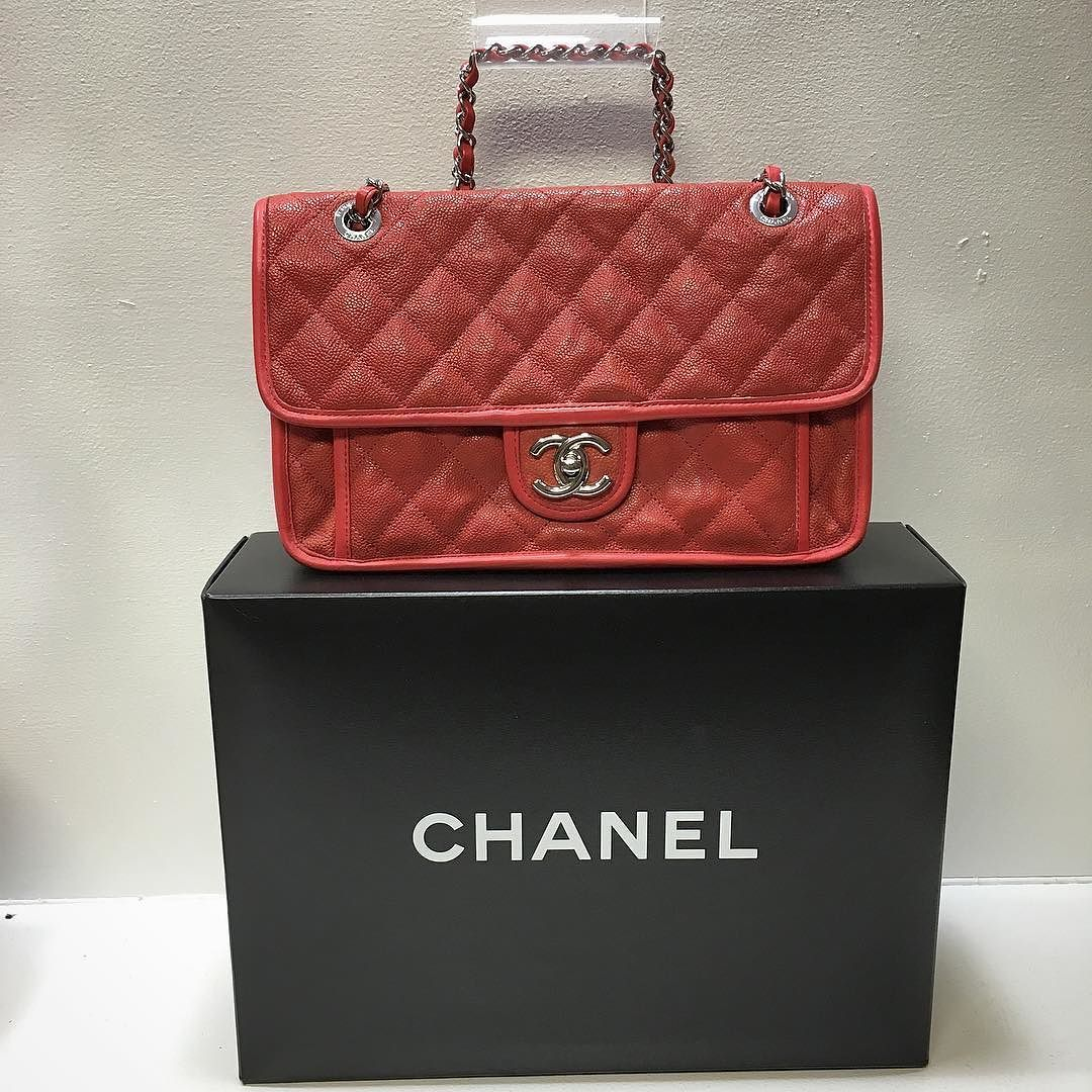 d2325e87c6e8 Chanel French Riviera flap bag Price: $1754.99 Item#: 21964-4 Location:
