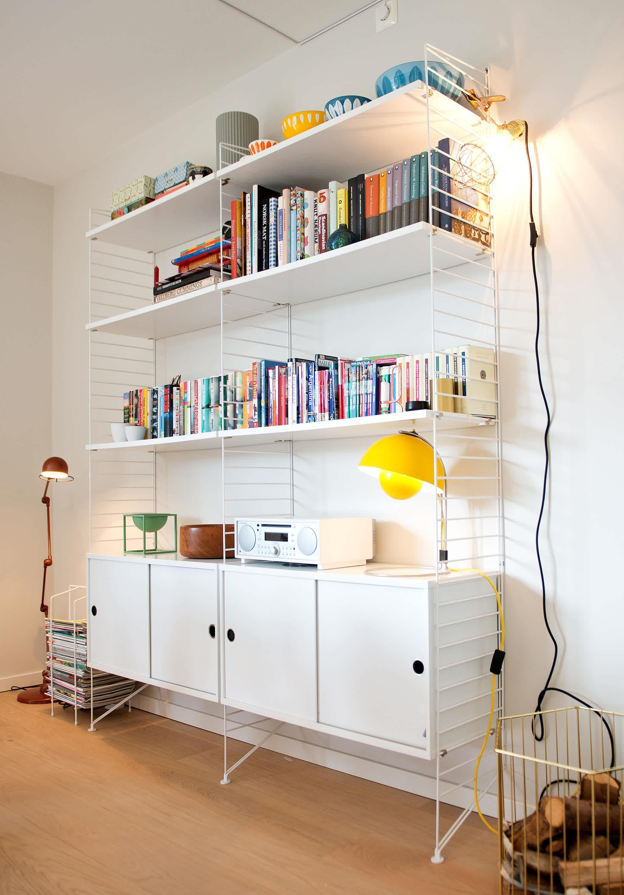 String Regal Pinterest A Clean Colorful Oslo Townhome Woonkamer In 2019