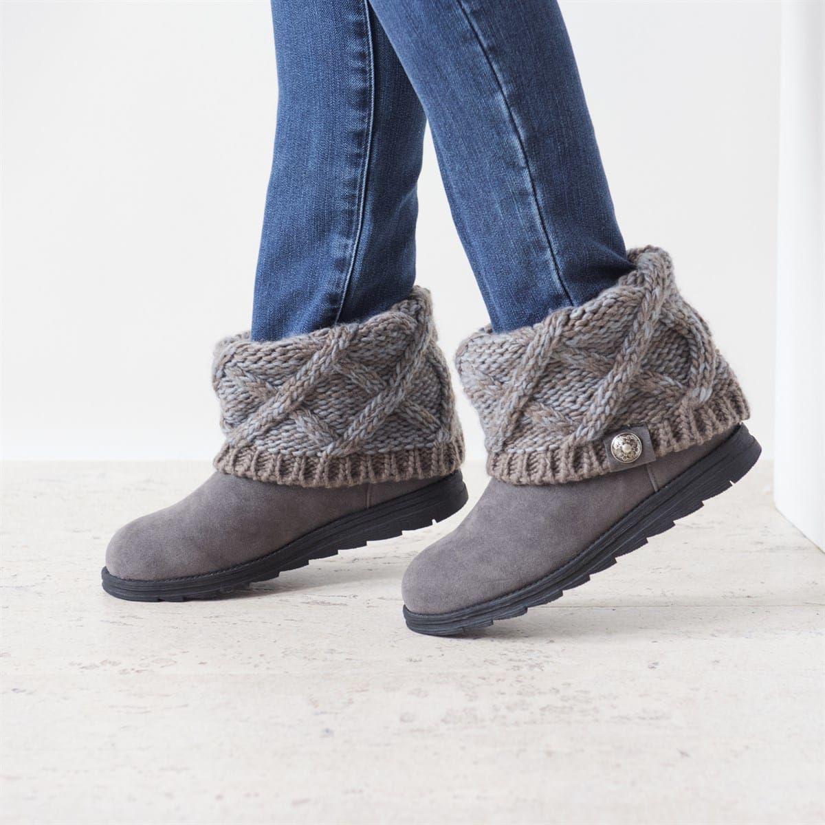 b76d876e4fb5f MUK LUKS Women s Patti Short Boots