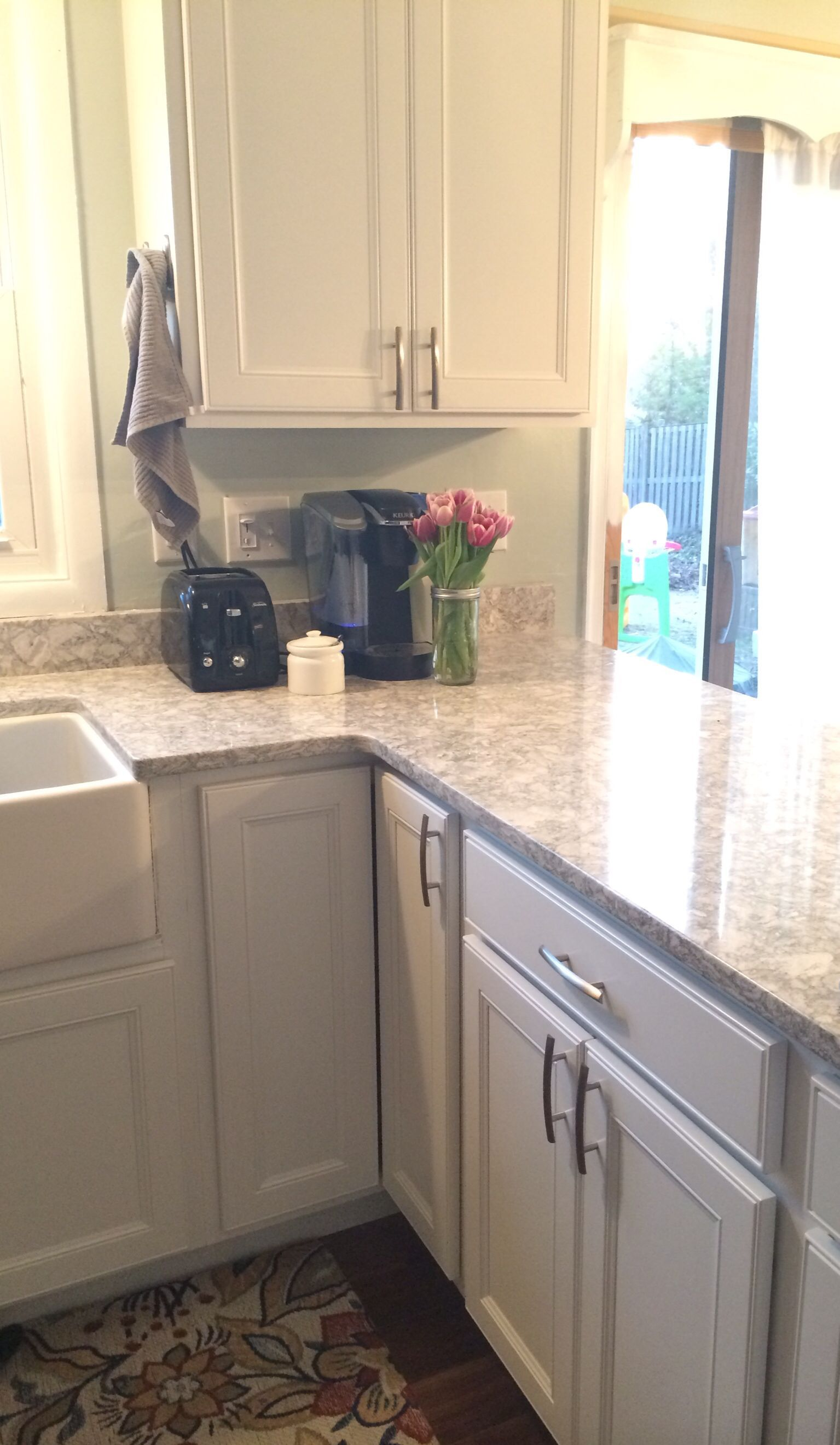 Cambria berwyn sw sea salt with linden white cabinets kitchen