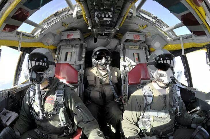 B-52H kokpit pic.twitter.com/0ha1TTzW8z