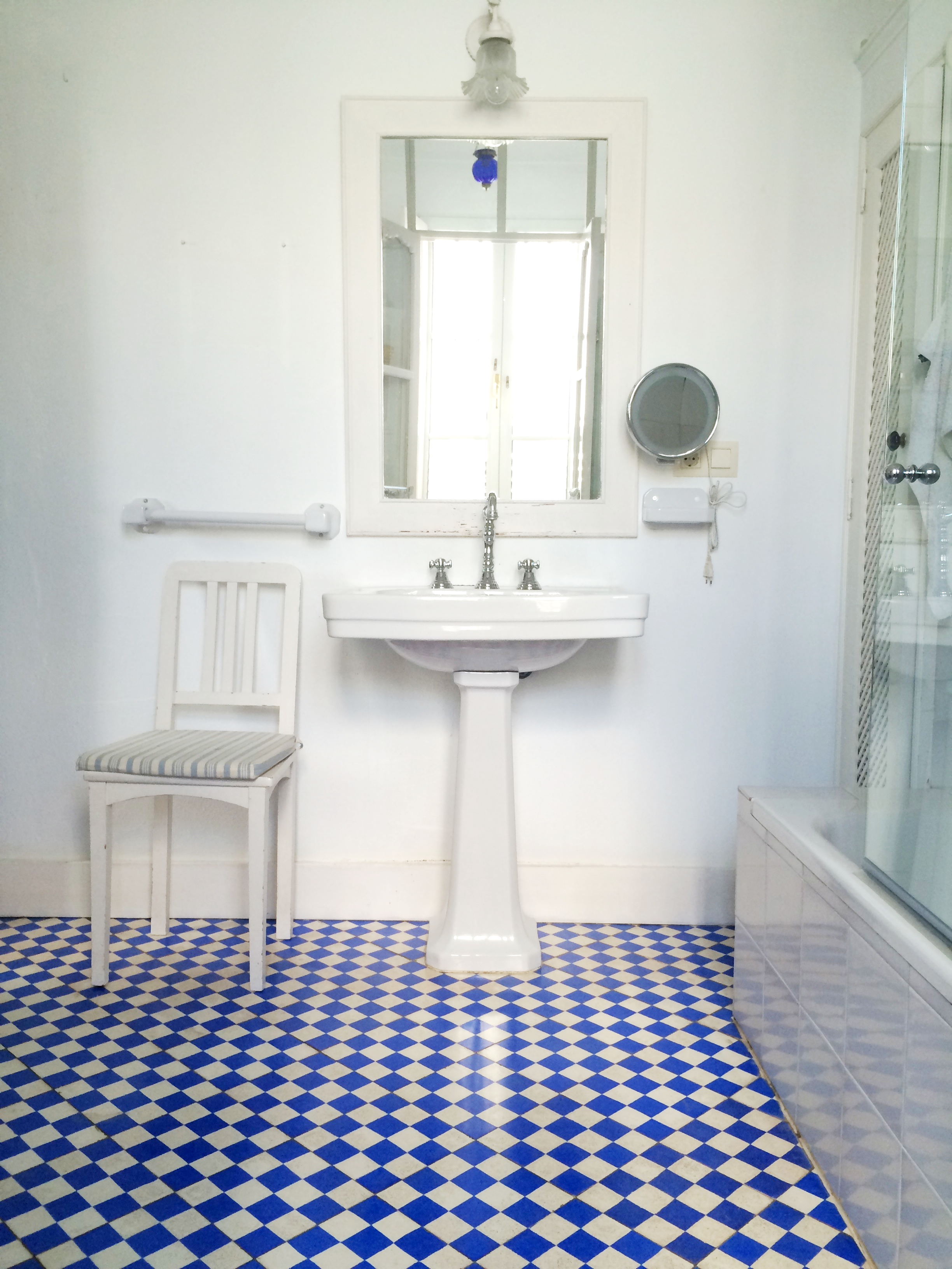 Suelo hidr ulico cuarto de ba o ba o bathroom for Suelo hidraulico antiguo