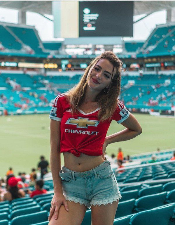 List of Great Manchester United Wallpapers Players Beautiful Manchester United Lady Fan #Beautiful_Manchester_United_Lady_Fan