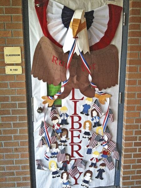 Americana Classroom Decor ~ Classroom door decorated for patriotic contest