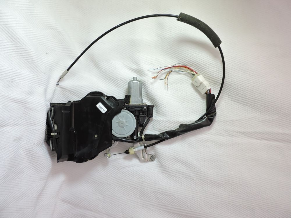 04 10 Toyota Sienna Power Sliding Door Latch Lock Actuator Rear Passenger Ebay Toyota Sienna Mini Van Honda Odyssey