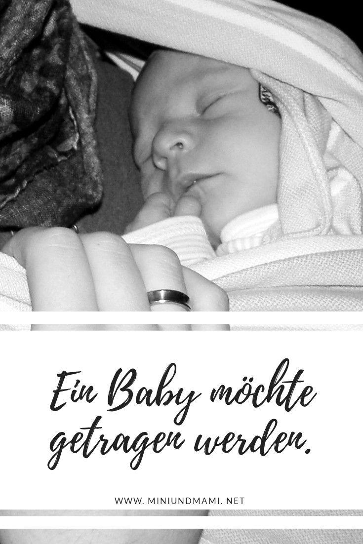 Baby Schreit Im Tragetuch