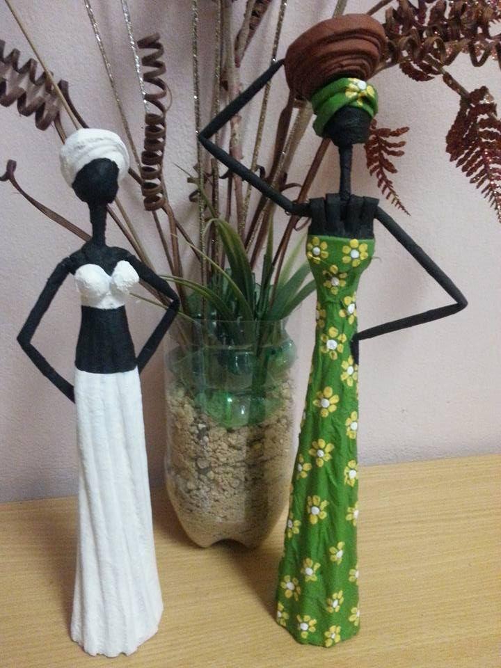Muñecas Africanas hechas de periódico.