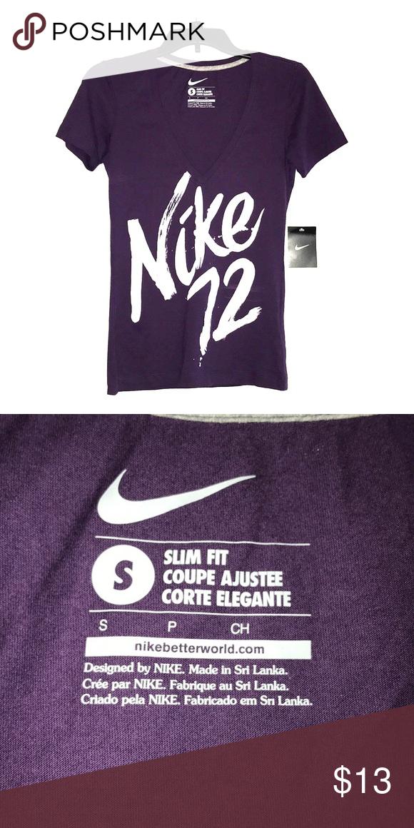 girar Enjuague bucal oasis  Nike '72 Graphic Tee Brand New! Slim fit Tee V neck Nike Tops Tees - Short  Sleeve | Graphic tees, Tees, T shirts for women