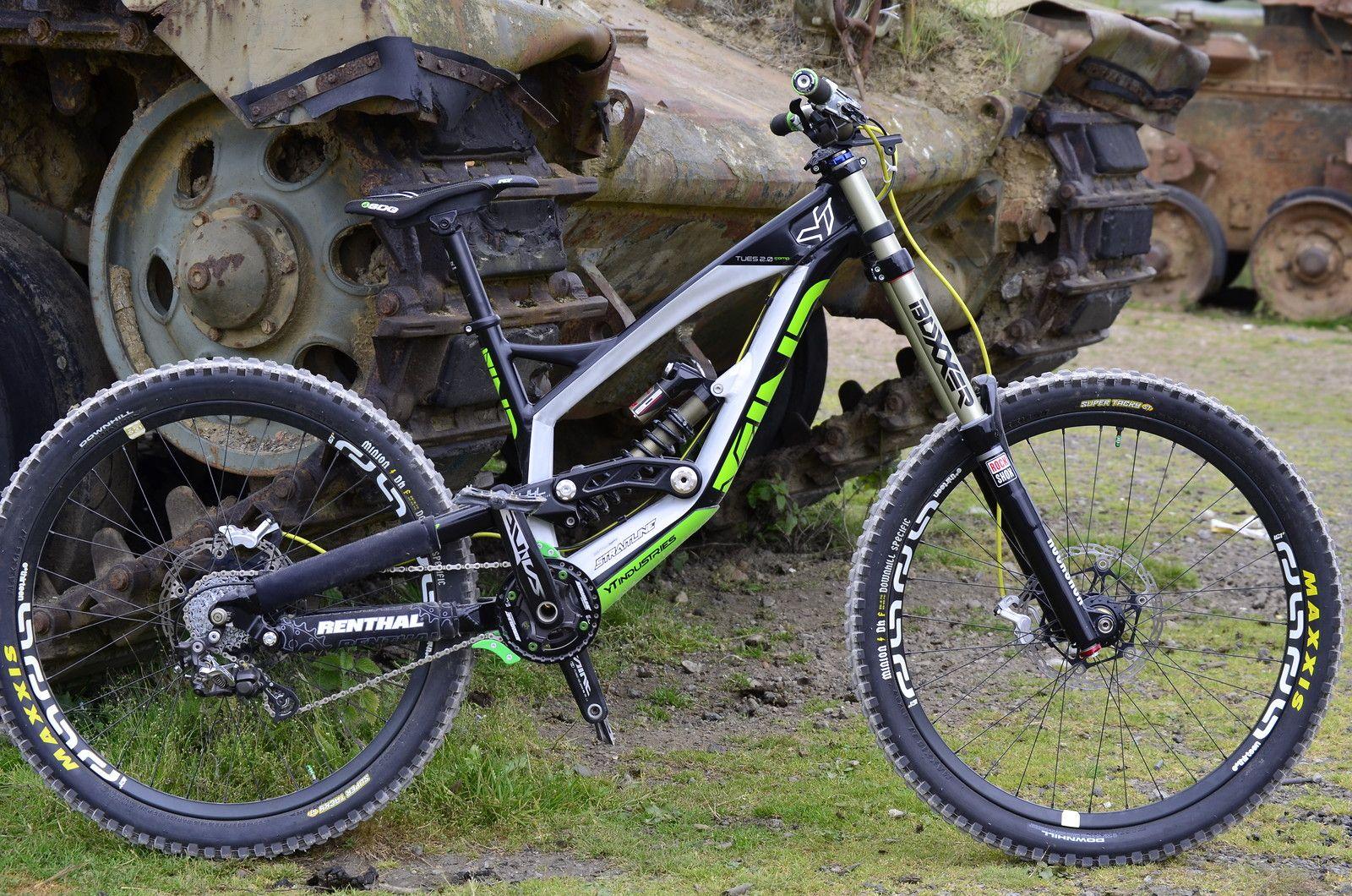 Yt Industries Tues 2 0 Downhill Bike Mountain Biking Bike
