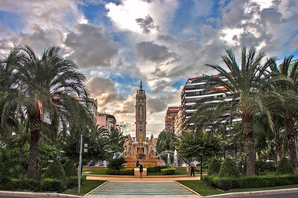Plaza de los Luceros (Alicante)