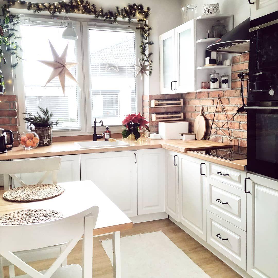 O Caroline Boze Narodzenie 2019 Swiateczne Nakrycie Stolu Kitchen Sale Kitchen Decor Kitchen Design