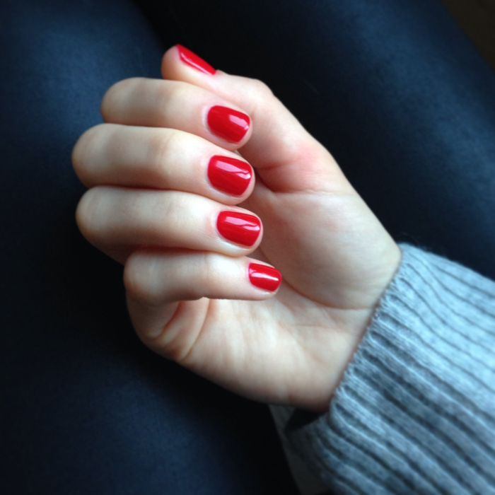 JULRÖTT (Charlotte Wehtje) | Pretty,pretty | Pinterest | Red nails ...