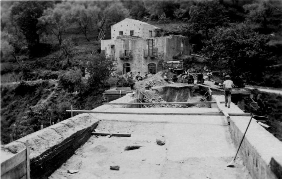 La ricostruzione del ponte di Santa Nicolella dopo i bombardamenti della seconda guerra mondiale - Librizzi
