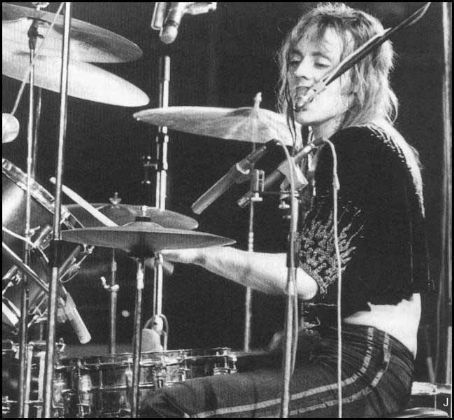 Roger Taylor Queen Drummers And Their Kits In 2019 Roger